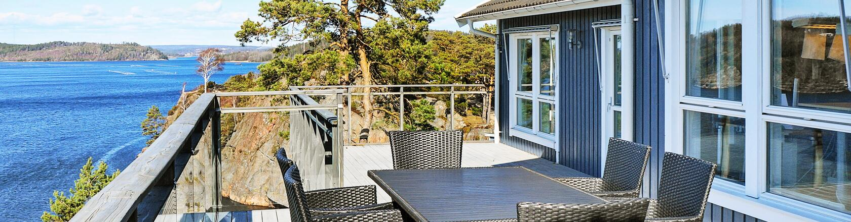Orust in Sweden - Rent a holiday home in with DanCenter
